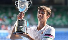 Lorenzo Musetti onora la wild card e supera le qualificazioni a Dubai